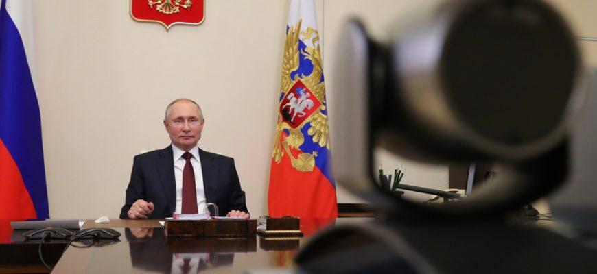 Путин поздравил Грецию с Днем независимости