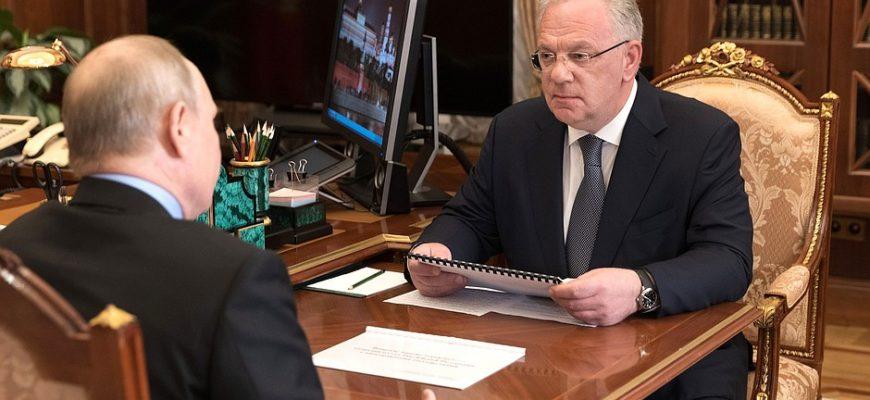 Военное сотрудничество любит тишину. Путин встретился с директором службы военно-технического сотрудничества