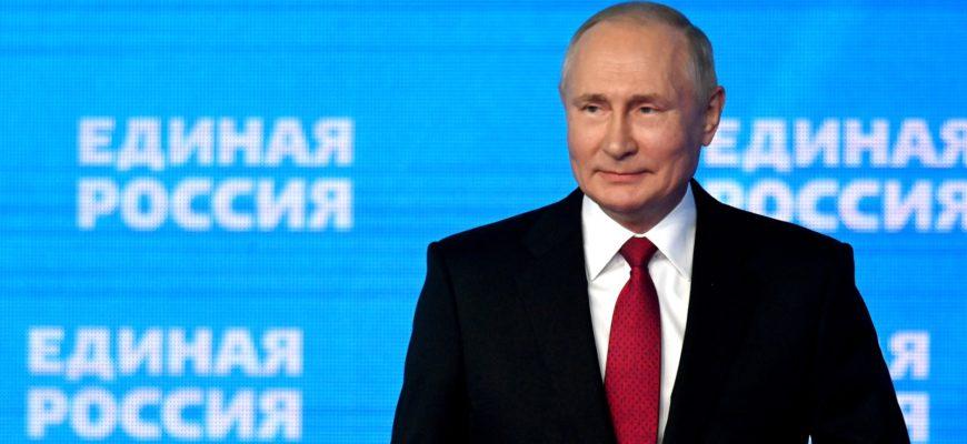 «Все равны, как в бане». Военные и курсанты получат по 15 тысяч рублей